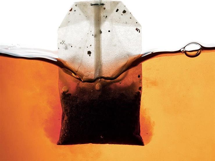 """بتشرب """"شاي فتلة""""؟.. احذر مخاطر أكياس المشروبات"""