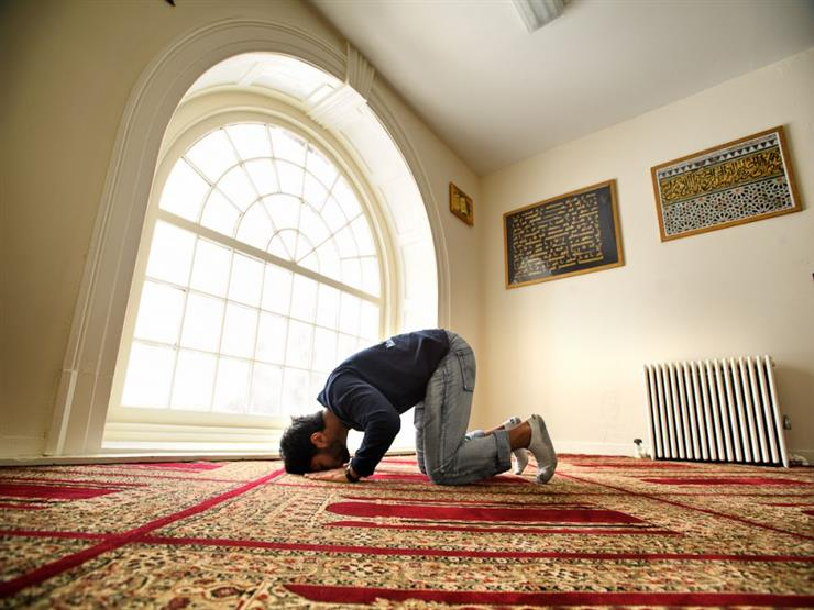 حكم تأخير الصلاة إذا تعارضت مع وقت المحاضرات.. الإفتاء توضح