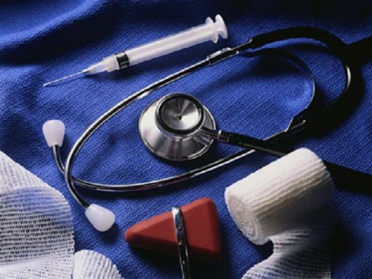 سفير مصر في نيروبي يسلم معدات طبية مُهداة إلى مستشفى كينياتا الوطني