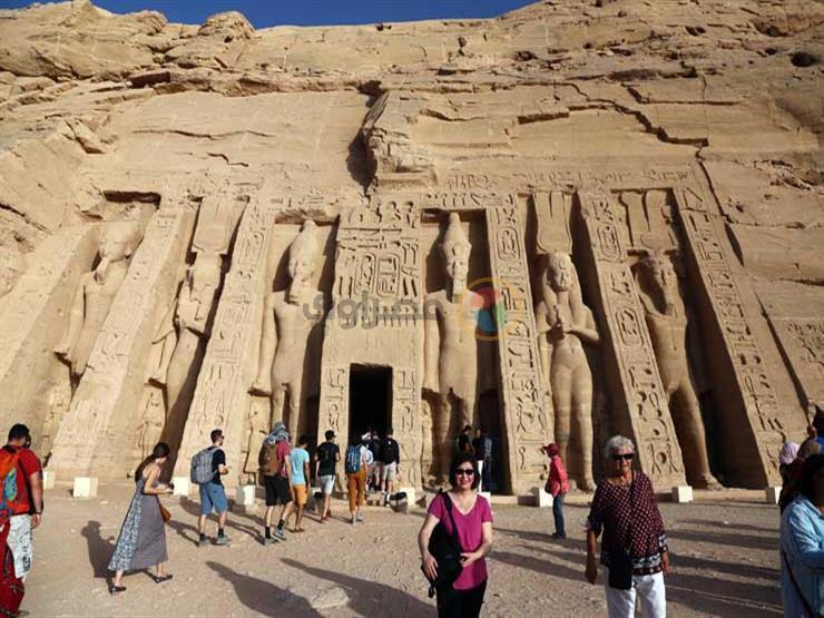 حيرت العالم.. 10 معلومات عن ظاهرة تعامد الشمس على معبد أبوسمبل