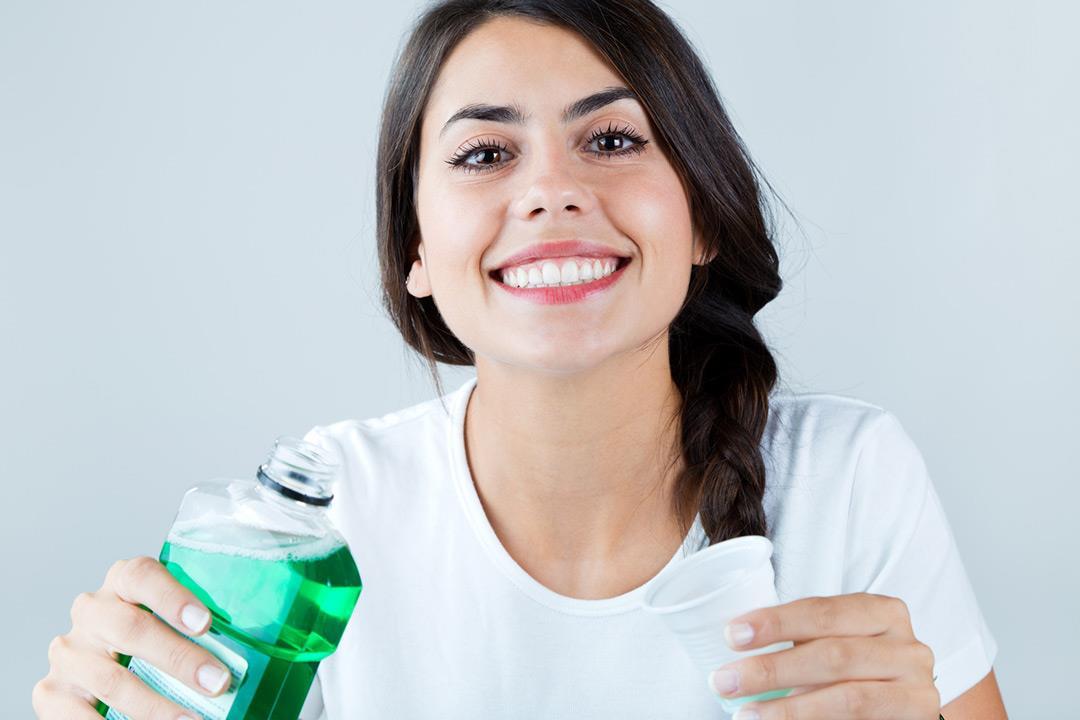 دراسة تحذر..غسول الفم قد يسبب مقاومة المضادات الحيوية
