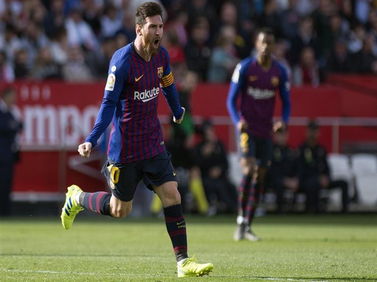 """""""هاتريك""""ميسي يقود برشلونة لتخطي عقبة إشبيلية برباعية في الدوري الإسباني"""
