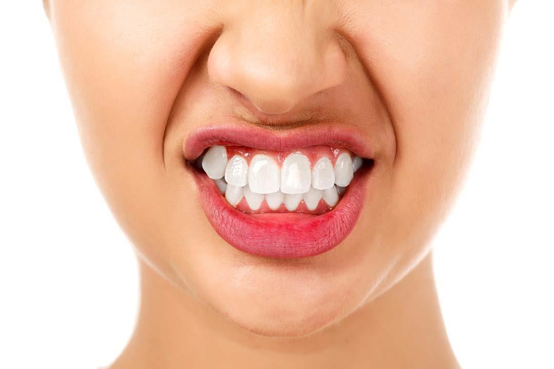 انتبه.. أسنانك تكشف إصابتك بأمراض في المستقبل
