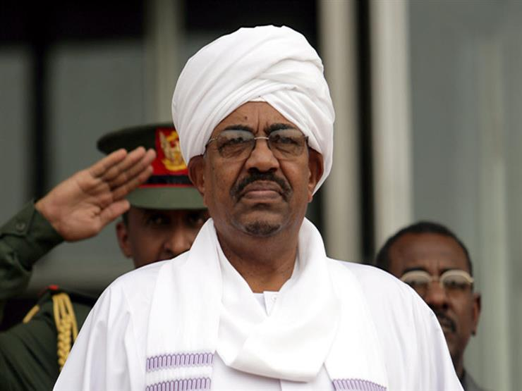Sudan: Hundreds of demonstrators storm Bashir's guest house in Khartoum