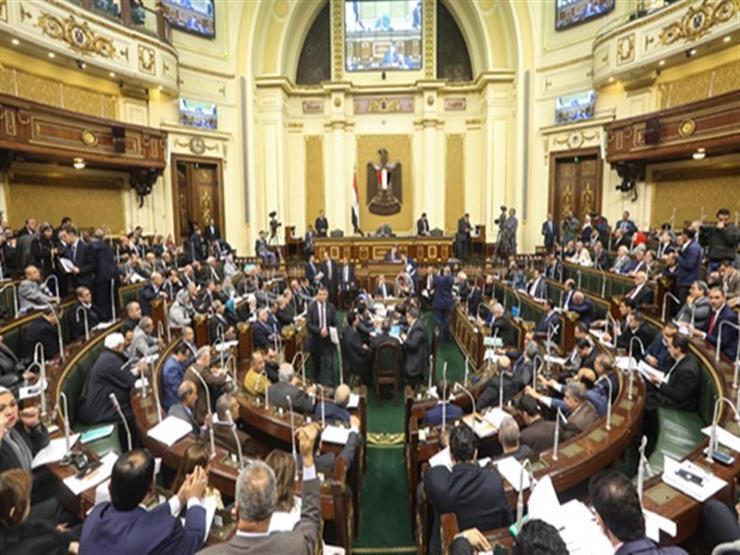 """النواب يهاجمون وزير الشباب: """"كنا عايزين نشكرك"""""""