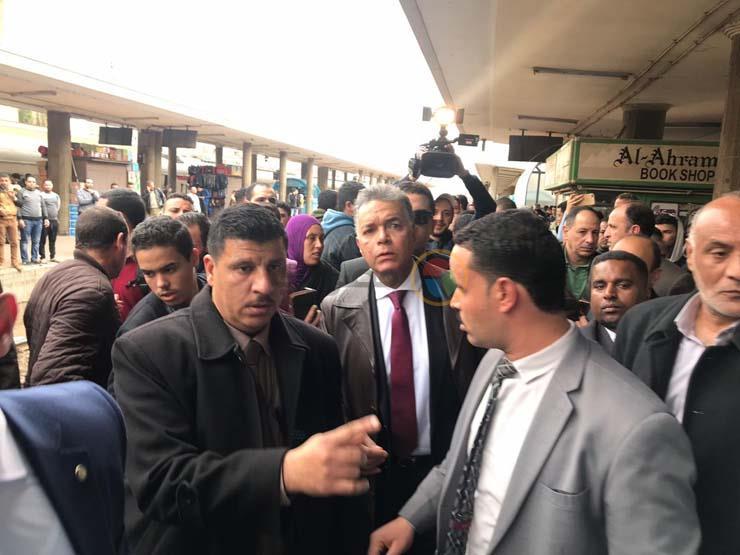 """""""محدش أجبرني"""".. أول تعليق لوزير النقل المستقيل بعد حادث محطة مصر"""