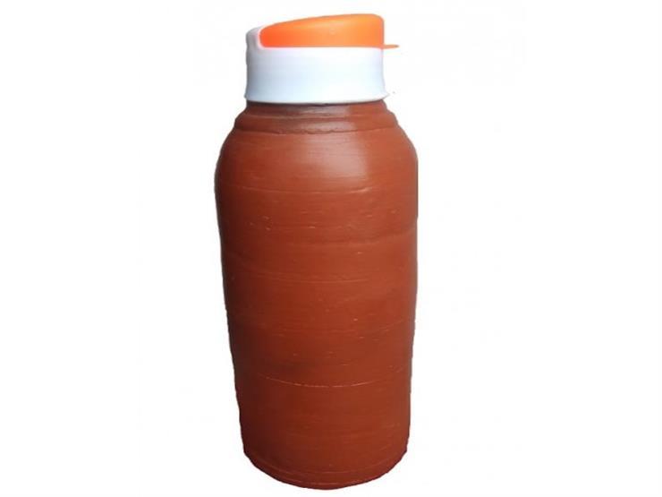 """شركة تطلق زجاجة ماء مصنوعة من الطين.. ومواقع التواصل: """"قُلة حبنا"""""""