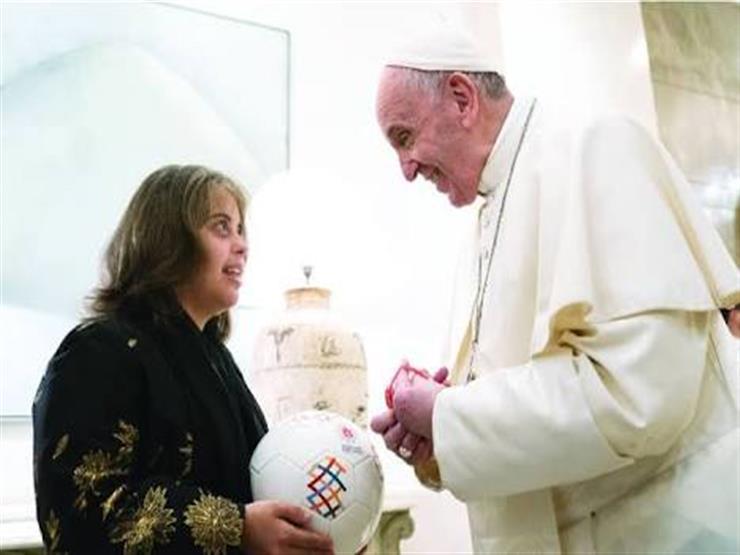 شيخ الأزهر وبابا الفاتيكان يوقعان على كرة الأولمبياد الخاص بالإمارات