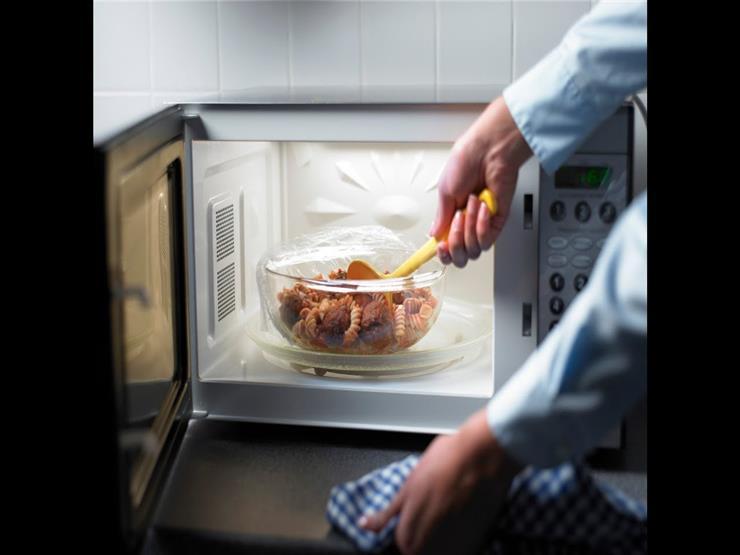 """غير تسخين الطعام.. 6 استخدامات أخرى للميكروويف """"لا تعرفينها"""""""