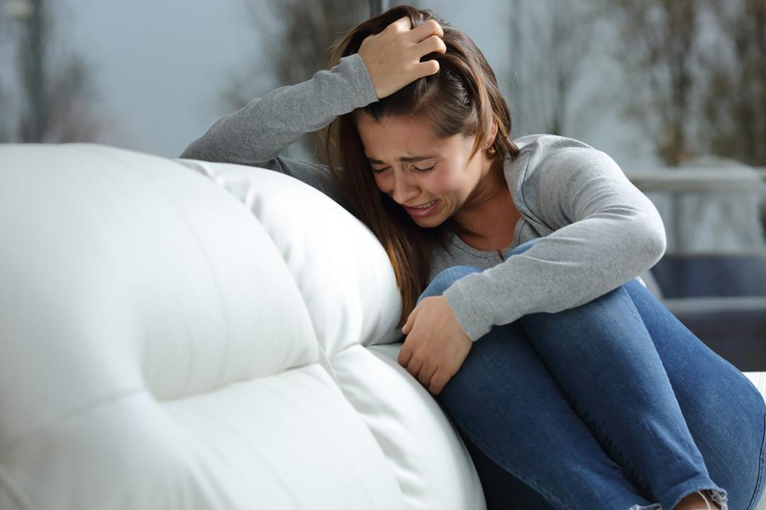 هكذا تساعد فتاة تعاني نفسيا بسبب الختان