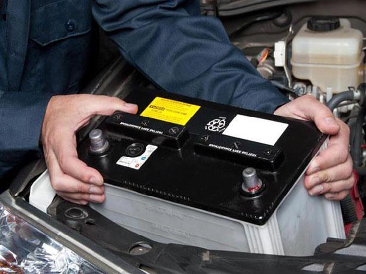 ما الفرق بين البطارية السائلة والجافة وأيهما أفضل للسيارة؟
