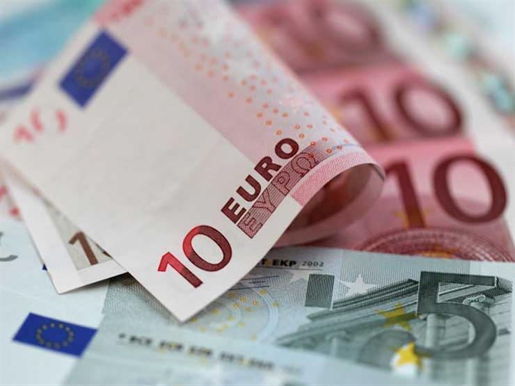 اليورو يتراجع لأدنى مستوى في 22 شهرا عالميا خلال تعاملات الخميس