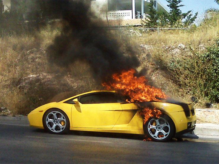 """بسبب مخاطر """"خزان الوقود"""".. استدعاء العشرات من سيارات لامبورجيني"""