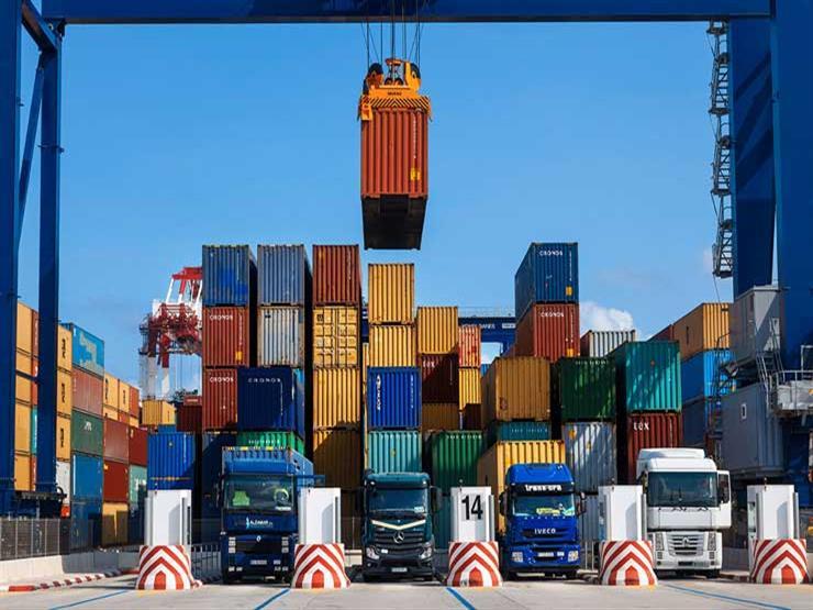 إنفوجرافيك- كيف تطورات صادرات وواردات مصر في آخر 5 سنوات؟