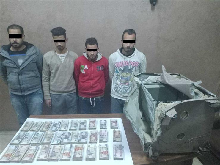 """ضبط عصابة """"بوجي"""" و""""زنجر"""" المتهمين بسرقة خزنة من معرض موتوسيكلات بالدقهلية"""