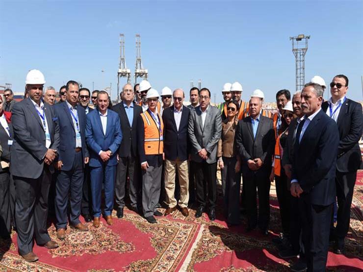 رئيس الوزراء: متابعة شهرية لسير العمل بمنطقة تنمية قناة السويس
