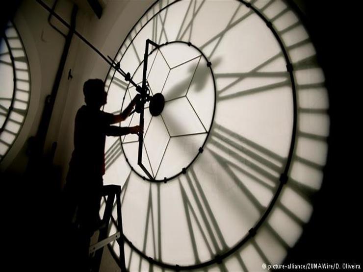 """إنجاز تاريخي: علماء يتمكنون من """"عكس مسار الزمن"""""""