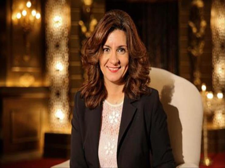 """""""الهجرة"""" تهنئ مصري فاز بجائزة أفضل موظف تقني بهيئة البيئة في أبوظبي"""