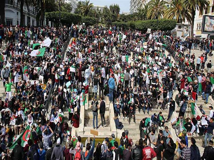 """الجزائريون يتظاهرون مجدّدا متحدّين """"مناخ القمع"""""""
