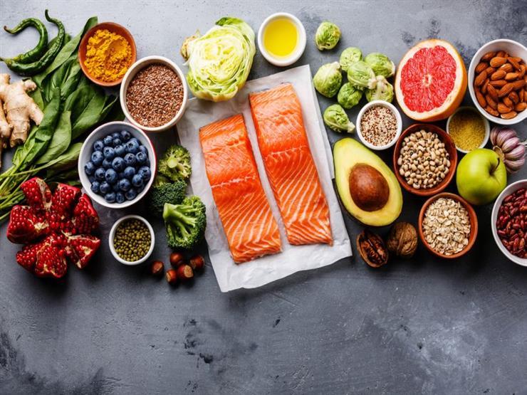 منها البقدونس والزبادي.. قائمة بأطعمة تسبب ضررًا بصحتك