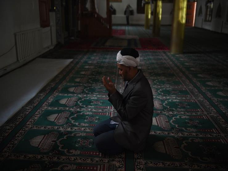 """ما حكم القنوت في الفجر وفي غيره؟.. """"البحوث الإسلامية"""" يوضح"""