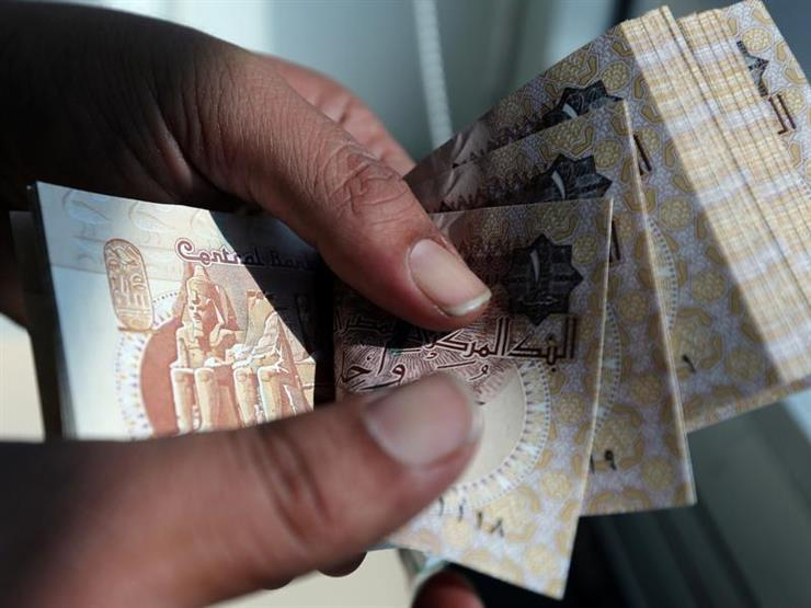 رويترز: الجنيه يصعد أمام الدولار لأعلى مستوى في أكثر من عامين