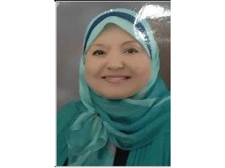 الأم المثالية ببورسعيد.. قصة كفاح كادت تنتهي بفقدان البصر