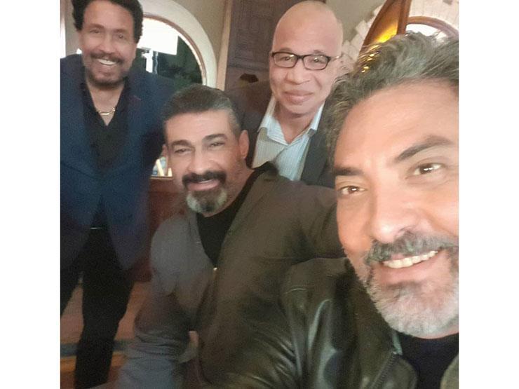 """فتحي عبدالوهاب وياسر جلال في كواليس """"لمس أكتاف"""""""