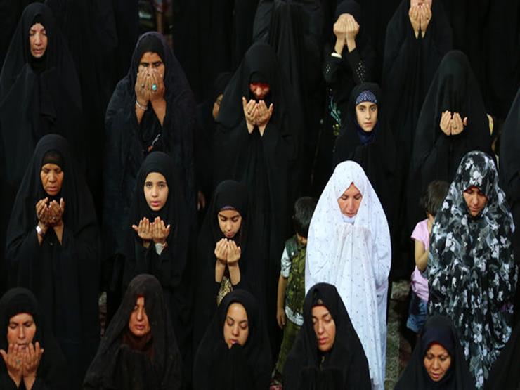في حالة شكي في طهارة الإمام أكمل الصلاة أم أقطعها؟.. أمين الفتوى يجيبض