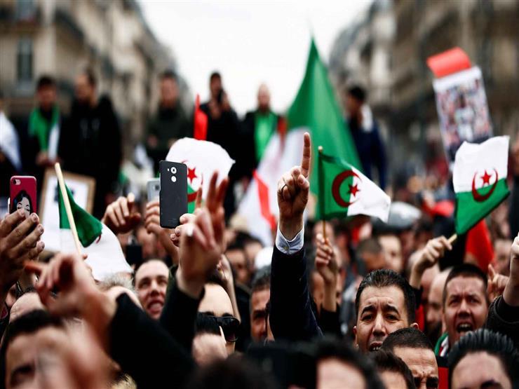 """""""جبهة التحرير الوطني الجزائري"""": مستعدون لمساعدة """"هيئة الحوار"""" في مهامها"""