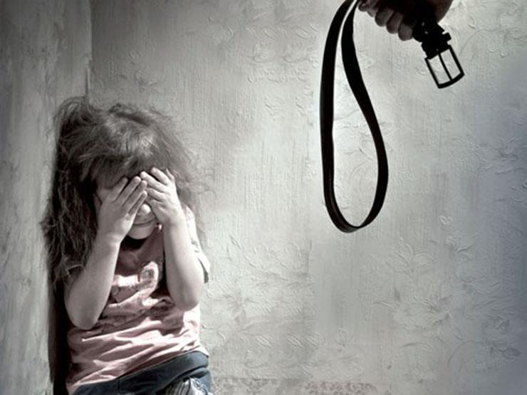 اتهمه بالتعدي على ابنته.. والد طالبة يحرر محضرًا ضد مدرس في بنها