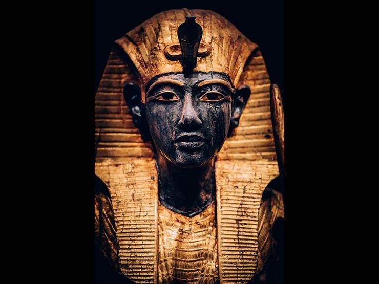 """الخميس.. وزير الآثار يفتتح معرض """"توت عنخ آمون"""" بباريس"""