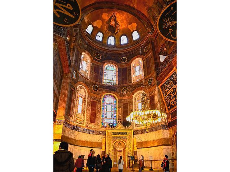 بعد رفض أردوغان إعادة فتحه للصلاة.. آيا صوفيا من كنيسة فريدة إلى مسجد ثم متحف