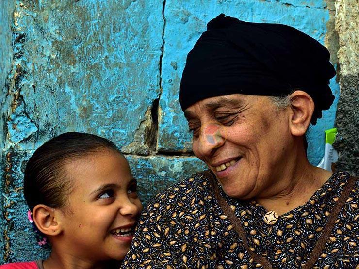 """الجدة.. """"اللي عنده ضحكة زي دي""""  (صورة)"""