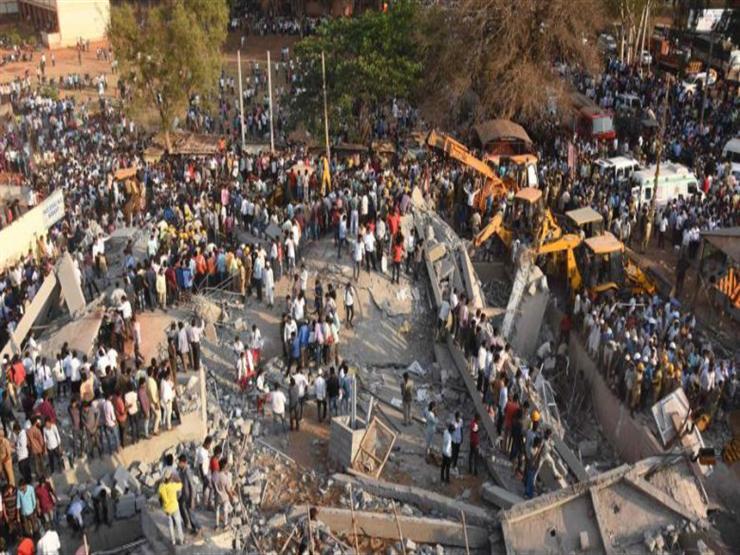 إخراج ناجين من تحت الانقاض بعد3 أيام من انهيار مبنى في الهند