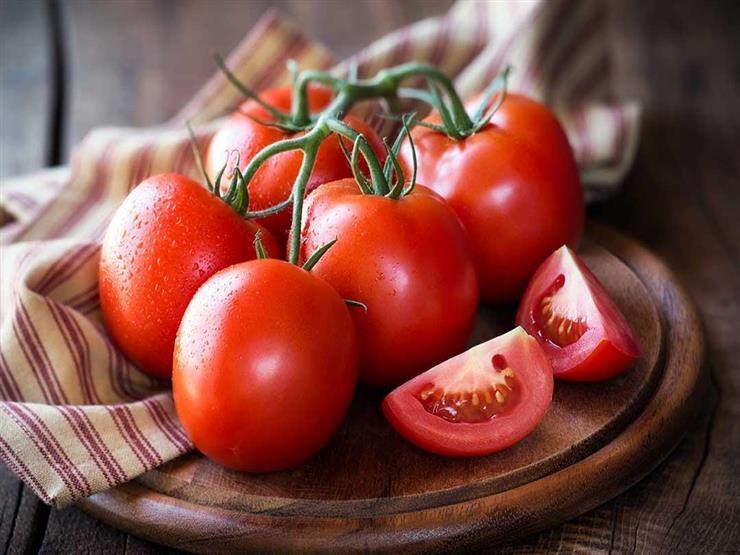 منها الطماطم..11 نوع طعام يجعلك تبدو أصغر سنًا