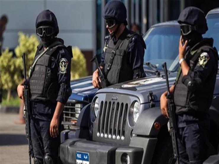 الأمن يُنقذ 11 صينيا ضلوا طريق العودة أثناء رحلة سفاري لصحراء الفيوم