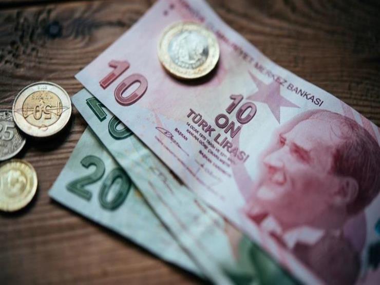 الليرة التركية تهبط أكثر من 5% مقابل الدولار style=
