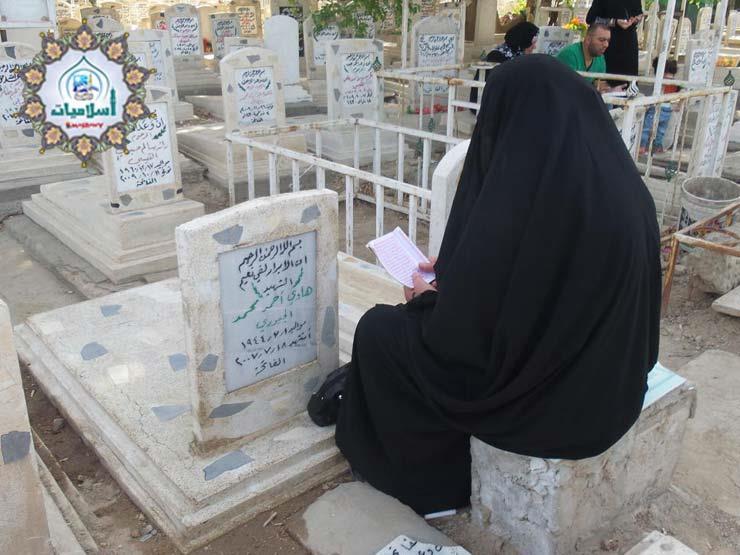هل تجوز قراءة القرآن على القبور عند زيارتها؟.. أمين الفتوى يجيب