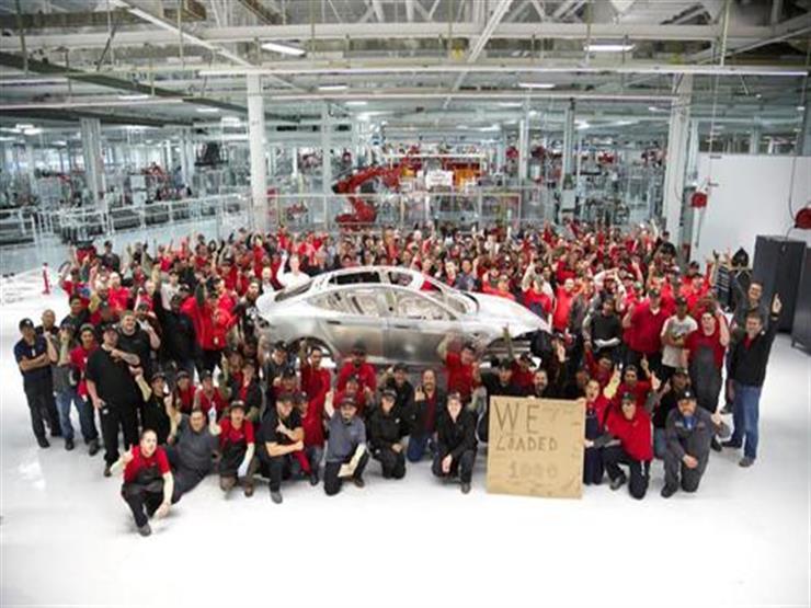 """مؤسس شركة لصناعة السيارات يدخل قائمة أول """"تريليونير"""" محتمل في العالم"""