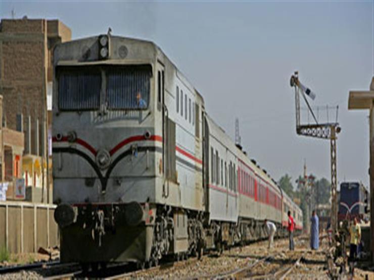 """""""تحرك فجأة"""".. بتر ساقي حارس أثناء عبوره أسفل قطار متوقف في سوهاج"""
