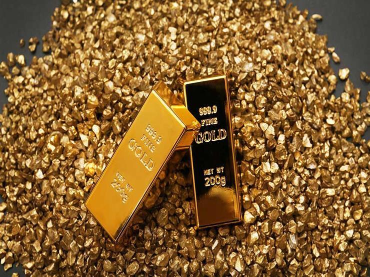 أسعار الذهب عالمياً تهبط بعد أن سجل أعلى مستوياته خلال شهر