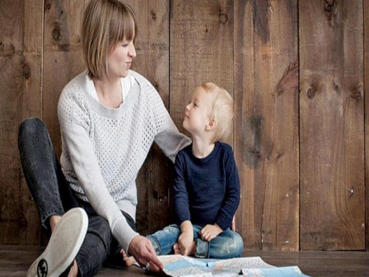 دراسة ألمانية: الأم المتعلمة جيدا وراء طول عمر الطفل