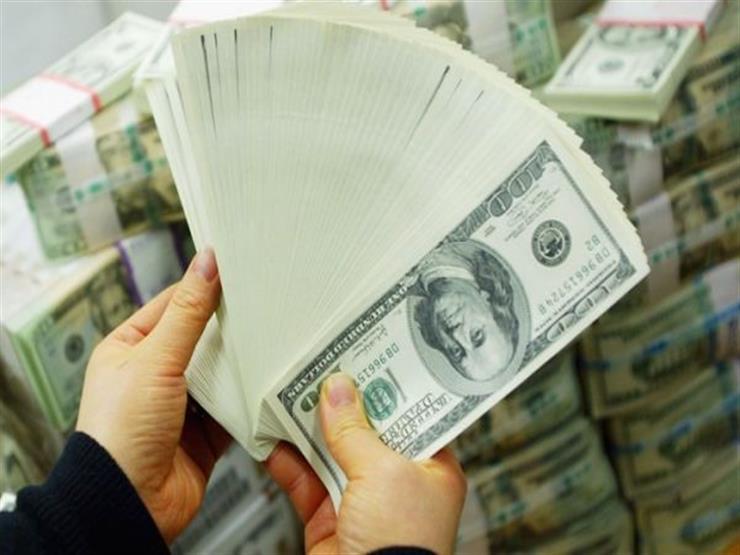 أسعار الدولار تنخفض ببنك قناة السويس وترتفع في كريدي أجريكول