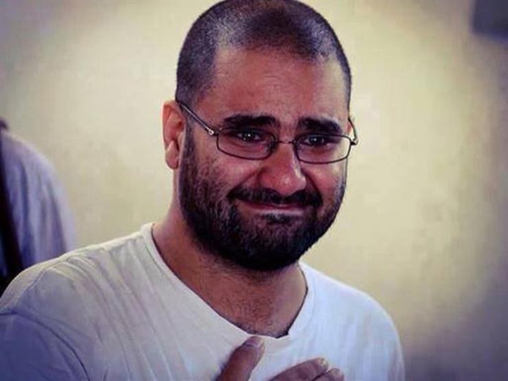 """الإفراج عن علاء عبدالفتاح بعد سجنه 5 سنوات في """"أحداث مجلس الشورى"""""""