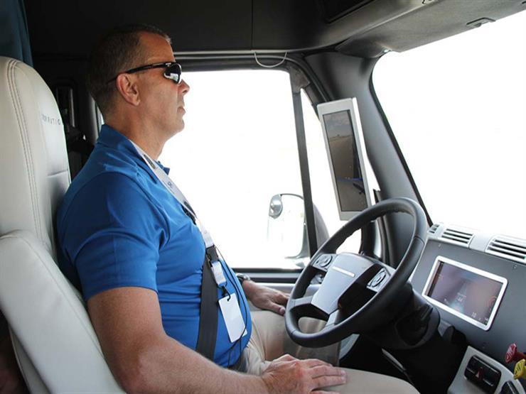 """دايملر تستهدف إنتاج سيارات بنظام """"القيادة الآلية"""" عبر شركة أمريكية"""
