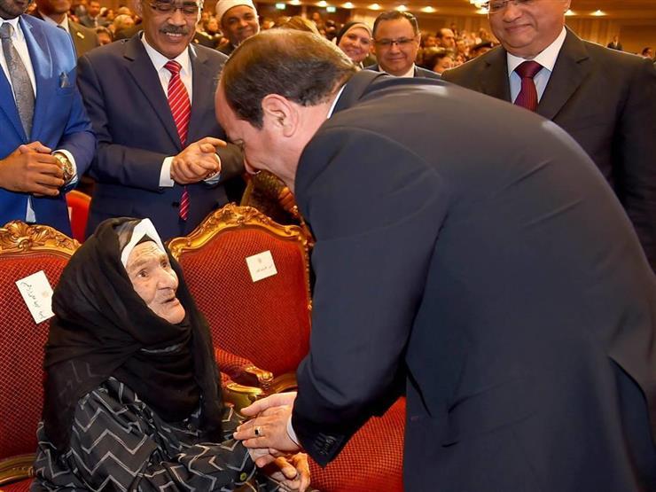 """""""قال لي أنتِ سيدة مصر الأولى"""".. أكبر معمرة تكشف عن حوارها مع السيسي"""