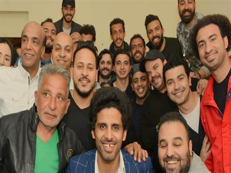صور وفيديو| نجوم مسرح مصر يحتفلون بعيد ميلاد علي ربيع