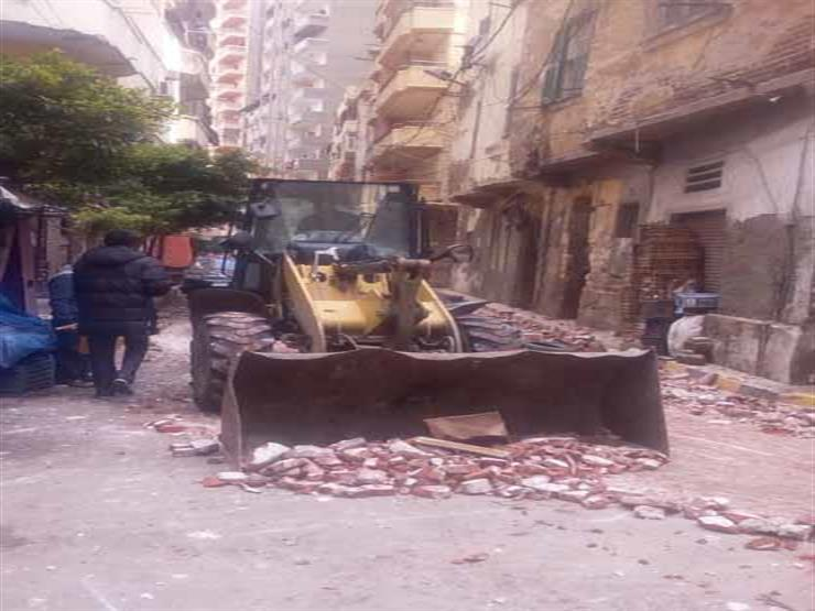 الحماية المدنية تنقذ 5 أسر.. انهيار جزئي لعقار في الإسكندرية