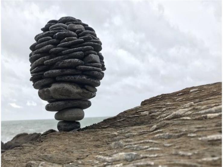 """فن تنسيق الأحجار الذي """"يتحدى الجاذبية"""""""